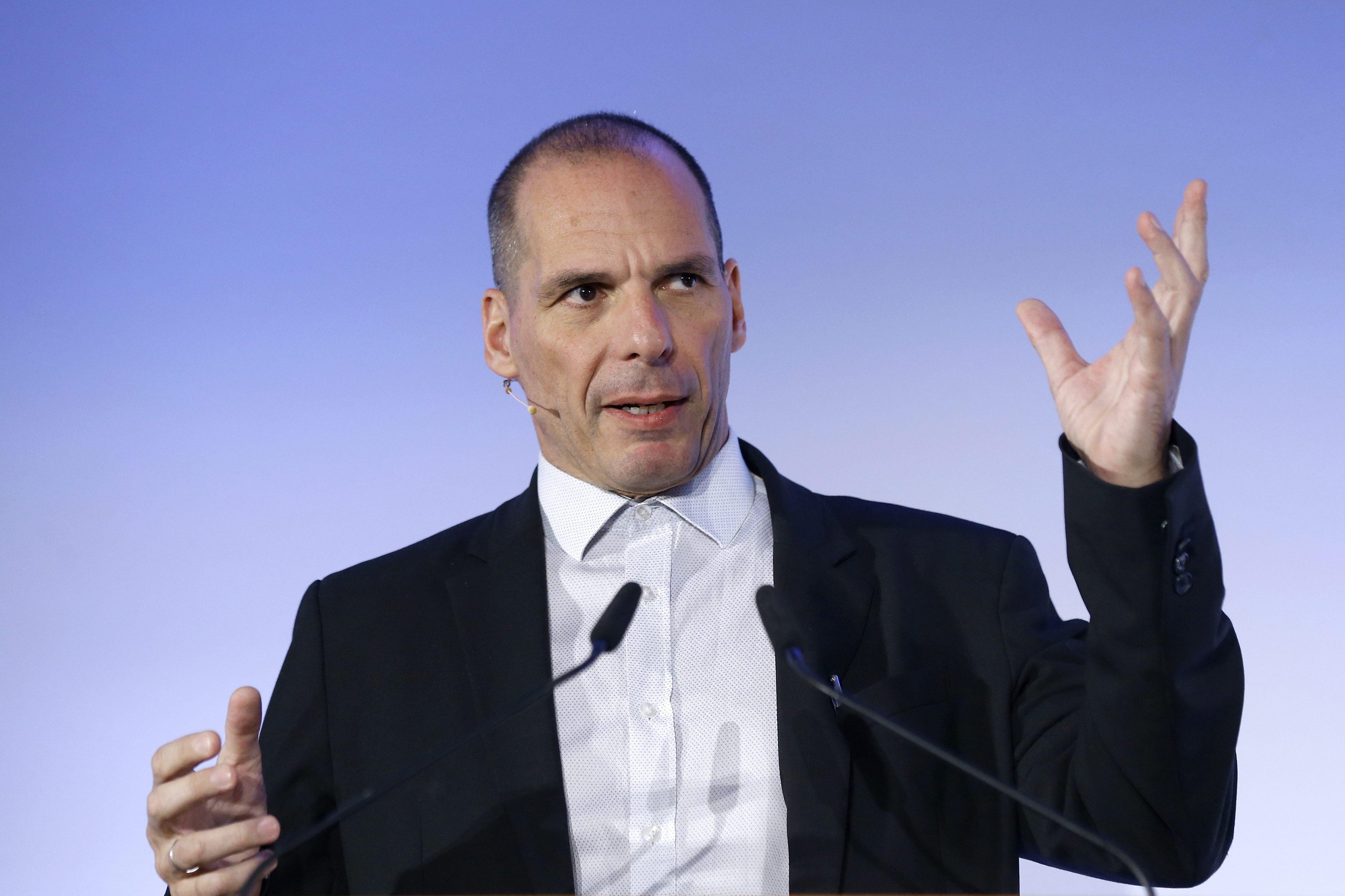 Βαρουφάκης στον Guardian: Η Ελλάδα παραμένει φυλακή οφειλετών και η ΕΕ δεν δίνει τα κλειδιά | tovima.gr