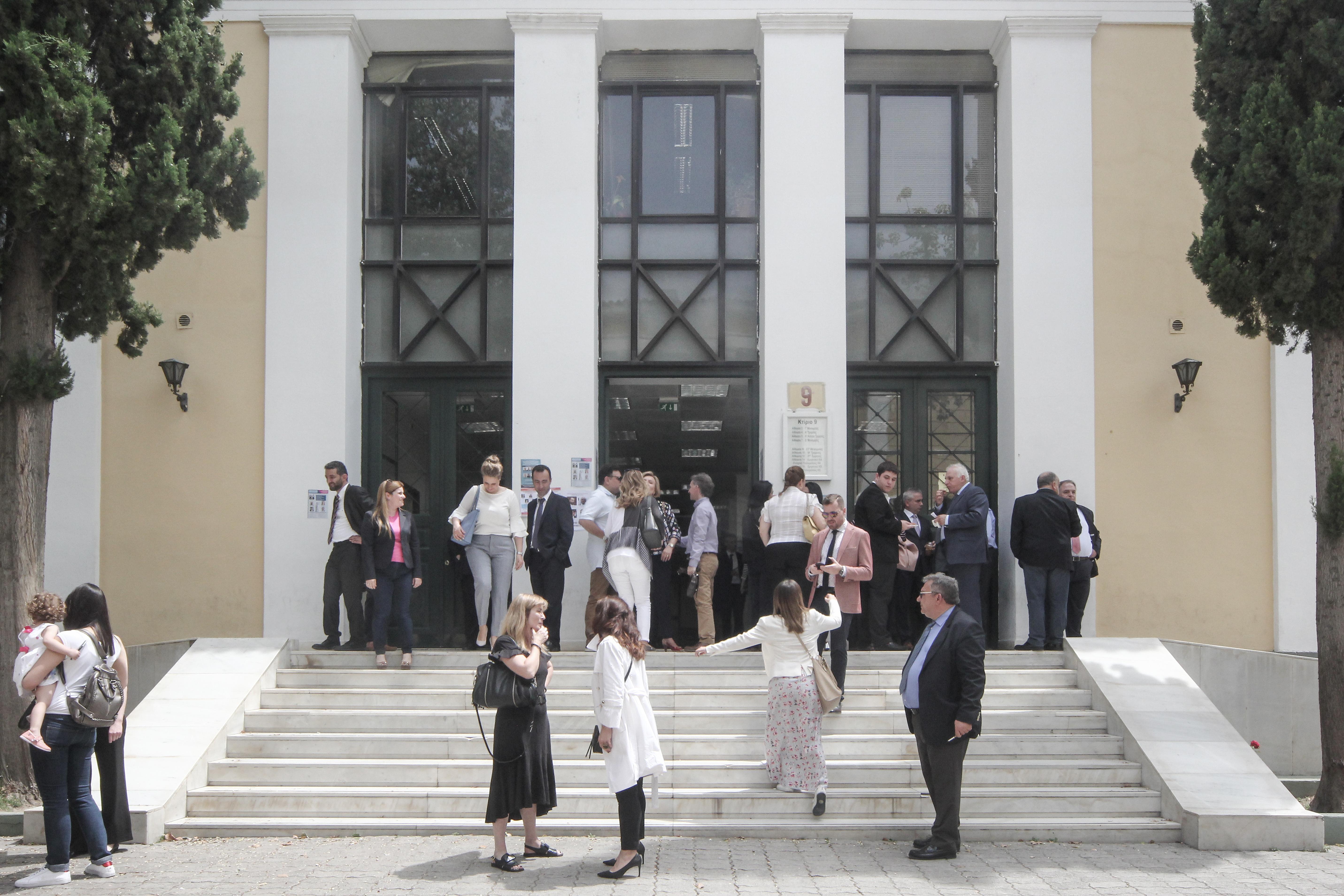 Δικαστές: Φαρισαϊσμός να καταγγέλλονται αυτοί που εφάρμοσαν τον νόμο   tovima.gr