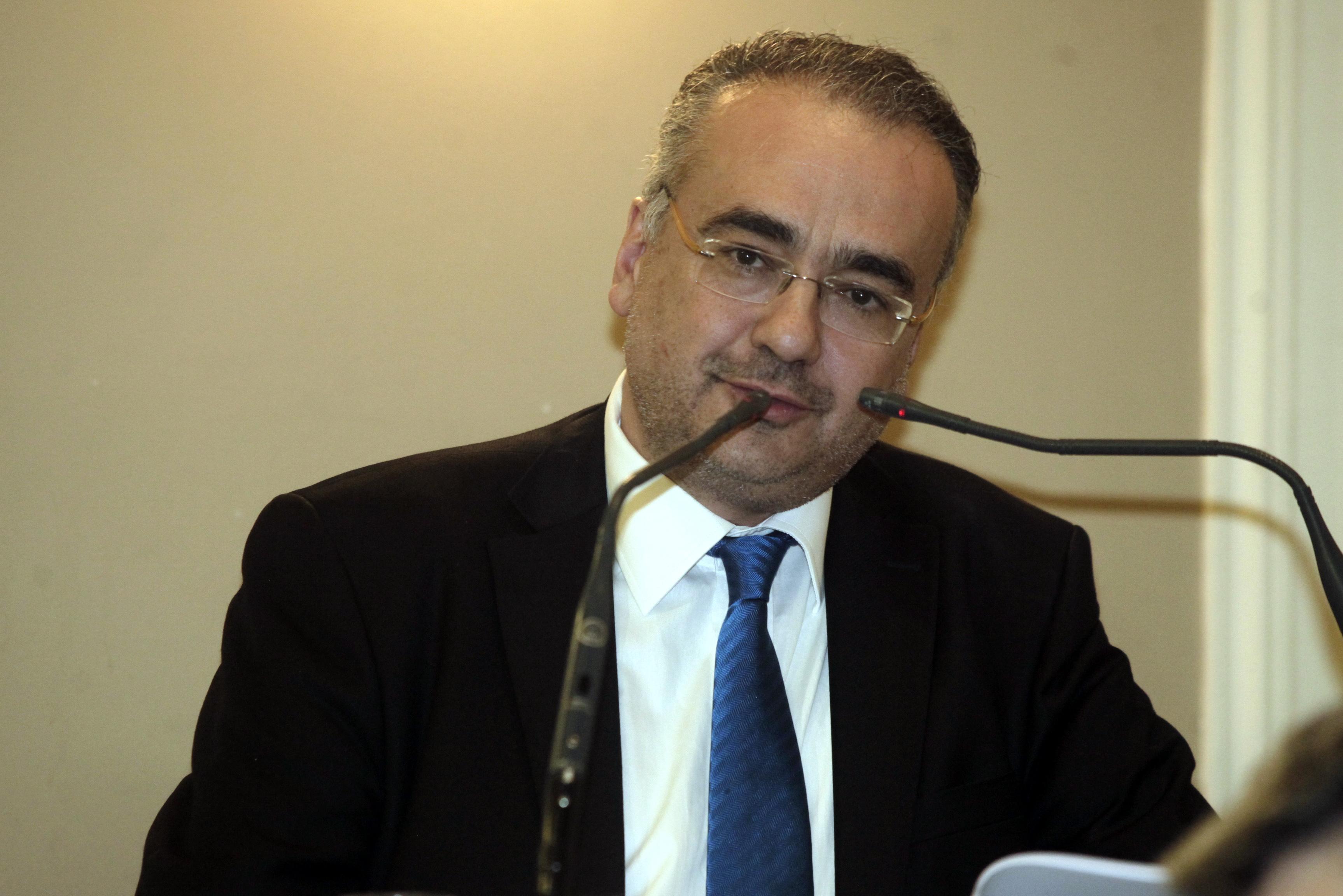 Βερβεσός: Θετικό βήμα η μείωση των ασφαλιστικών εισφορών των δικηγόρων | tovima.gr