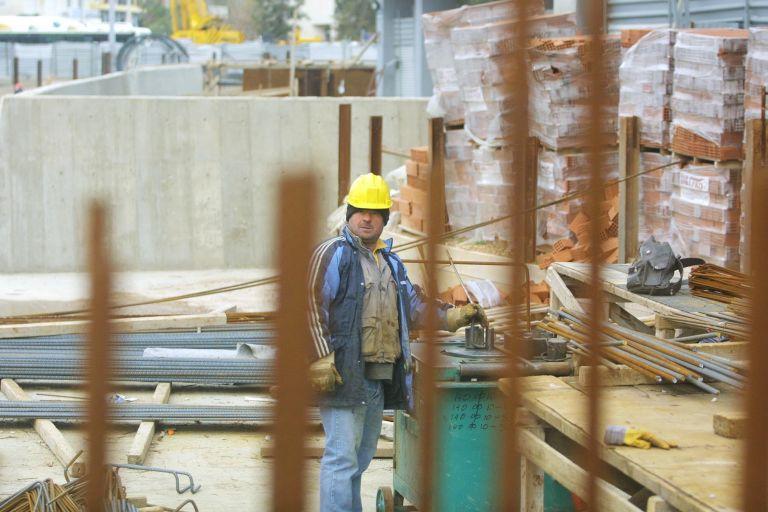 Υπ. Εργασίας: Σταδιακή υποχώρηση στα ποσοστά αδήλωτης εργασίας | tovima.gr