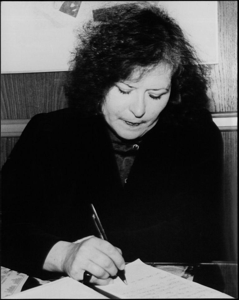 Πέθανε η ποιήτρια Νατάσα Χατζιδάκι | tovima.gr