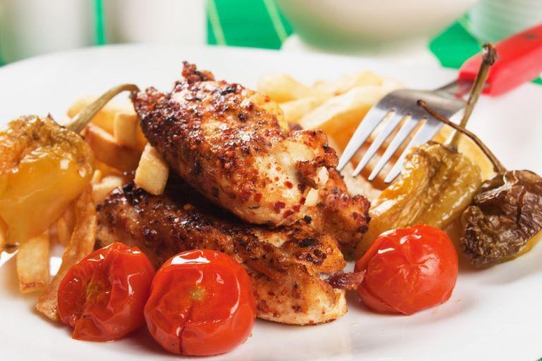 Κοτόπουλο με ντοματίνια | tovima.gr