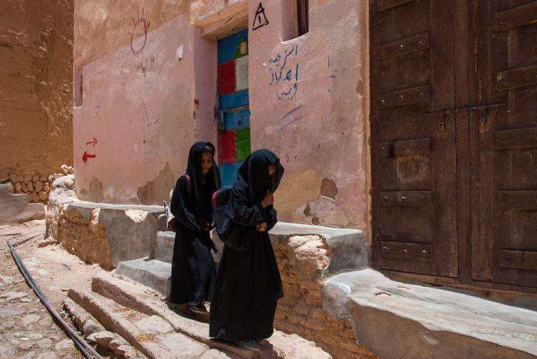 Υεμένη: Πυρπόλησε την κόρη του γιατί τηλεφωνήθηκε με τον αρραβωνιαστικό της | tovima.gr