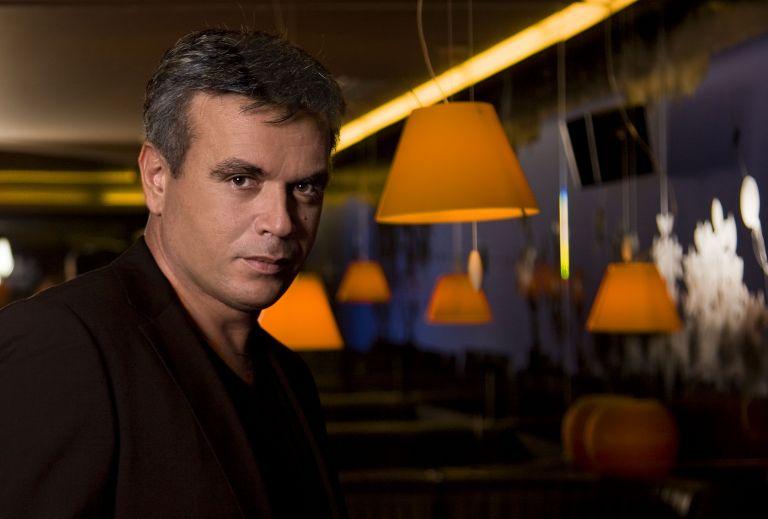 Μανώλης Λιδάκης: Νέο τραγούδι με τίτλο «Στην κόψη» | tovima.gr
