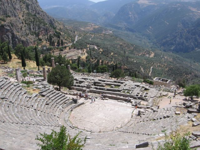 Ancient theater of Delphi to be restored  by Spring 2017   tovima.gr