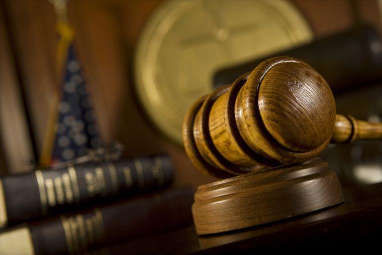 Μισθοδικείο: Αντισυνταγματικές οι μειώσεις αποδοχών των δικαστικών   tovima.gr