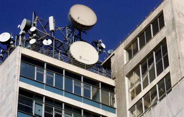 Ασάφειες στη νομοθεσία εμπόδισαν απομάκρυνση κεραίας κινητής | tovima.gr