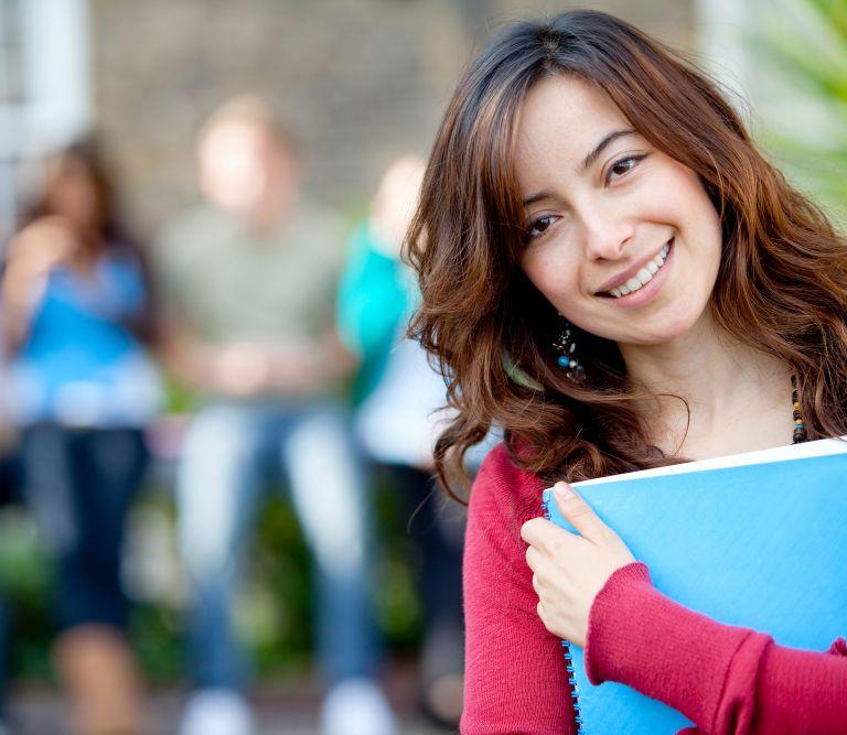 Σε 25 φοιτητές οι Υποτροφίες Αγγελοπούλου CGIU | tovima.gr