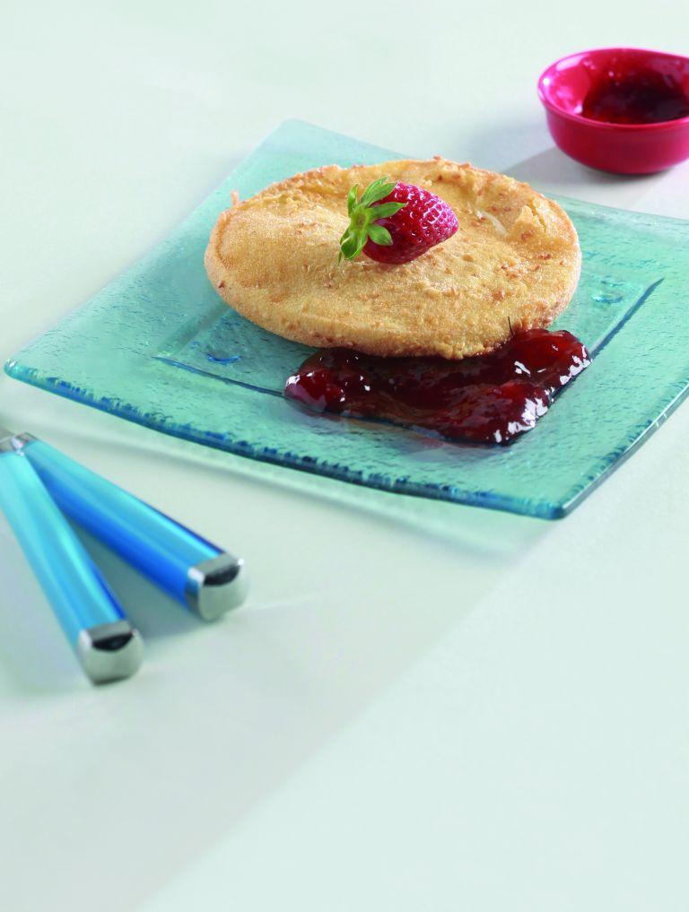 Μετσοβόνε με σουσάμι και πικάντικη μαρμελάδα φράουλα | tovima.gr
