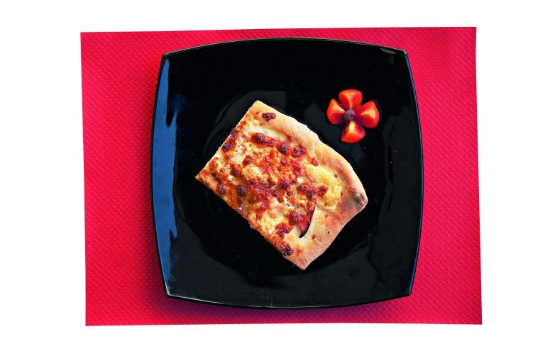 Πίτσα με μορταδέλα και έμενταλ | tovima.gr