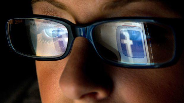 Η κατασκοπεία στο Facebook παράγει κατάθλιψη   tovima.gr