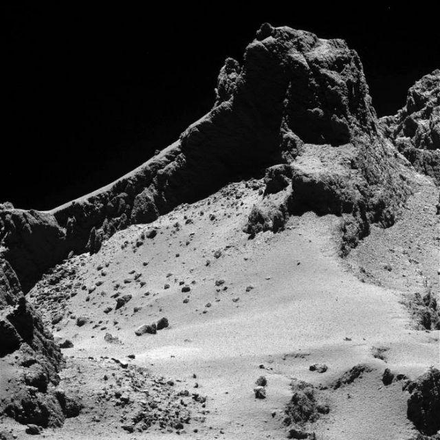 Λύθηκε το μυστήριο των αμμόλοφων του κομήτη 67P | tovima.gr