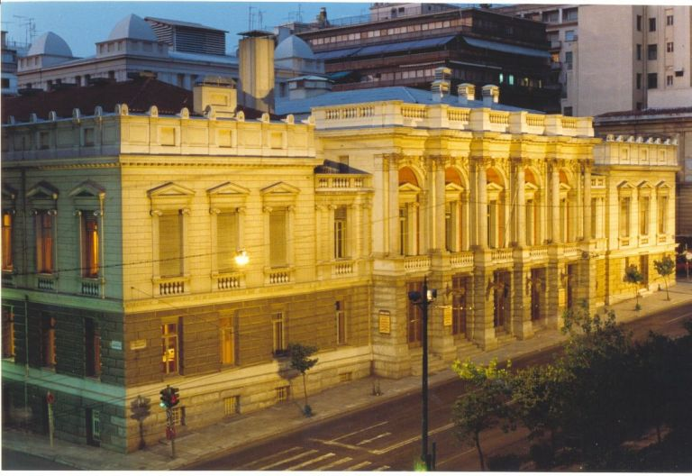 Προνομιακές τιμές εισιτηρίων από Εθνικό και Σύγχρονο Θέατρο | tovima.gr