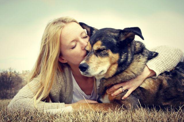 Η ωκυτοκίνη δεσμός αγάπης ανθρώπων και σκύλων | tovima.gr