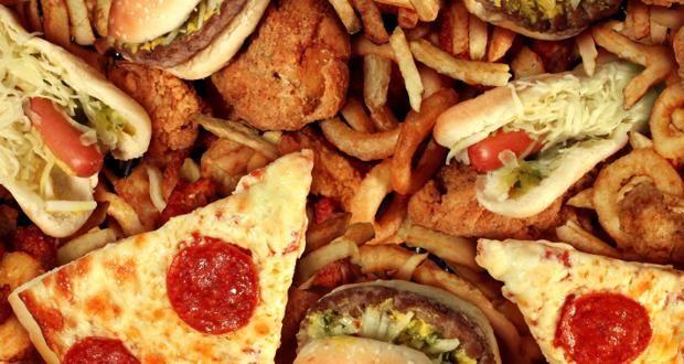 Σε δύο εβδομάδες το junk food αυξάνει τον κίνδυνο καρκίνου | tovima.gr