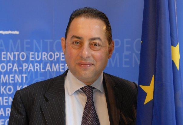 Πιτέλα: Ποτέ δεν πρόσφερα θέση στον Τσίπρα στους ευρωσοσιαλιστές | tovima.gr