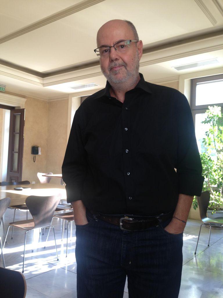 Γιάννης Χουβαρδάς: «Βλέπω τον κόσμο να στενεύει» | tovima.gr
