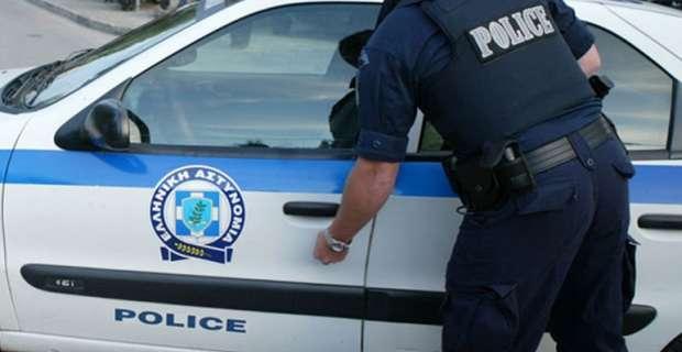 Πέθανε ο αστυνομικός που αυτοπυροβολήθηκε μέσα στην Τροχαία Αθηνών | tovima.gr