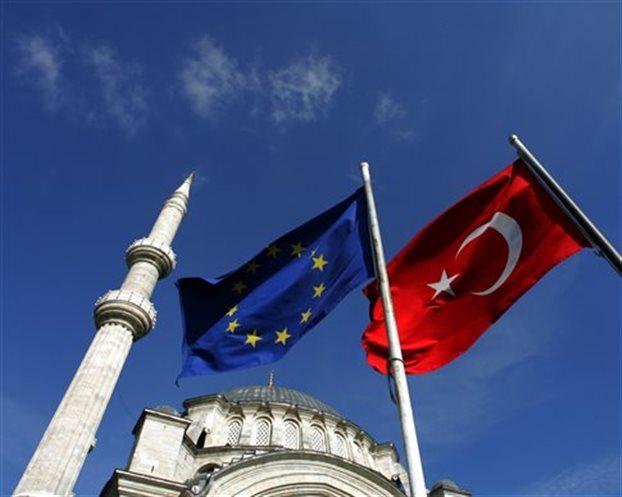 Η Κομισιόν ξεμπλοκάρει 3 κεφάλαια προενταξιακής πορείας της Τουρκίας   tovima.gr