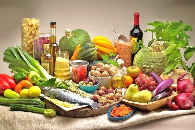 Η μεσογειακή διατροφή κόβει… κιλά   tovima.gr