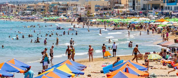 Οι διακοπές στην Ελλάδα θα γίνουν πιο ακριβές | tovima.gr
