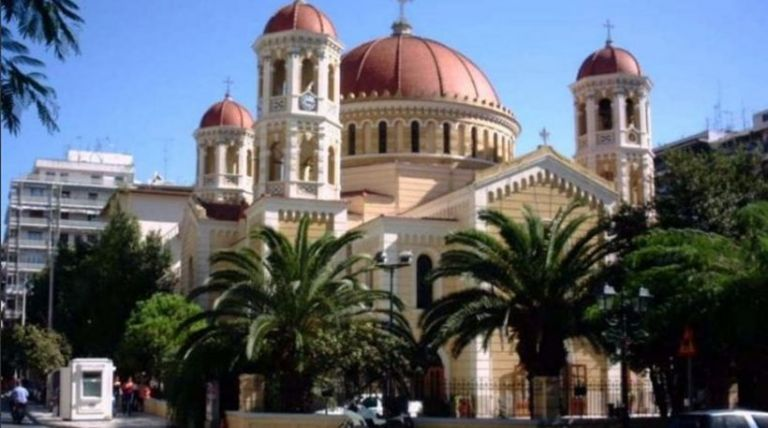 Θεσσαλονίκη: Αντιεξουσιαστές εισέβαλαν στη Μητρόπολη | tovima.gr