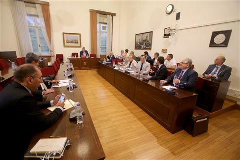 Το μεσημέρι το πόρισμα για τα δάνεια σε κόμματα και ΜΜΕ   tovima.gr