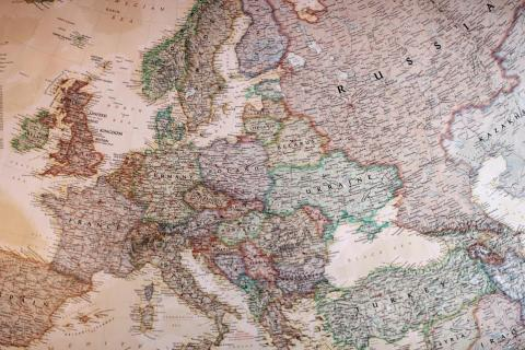 Η Ρωσία επιτίθεται στη Δύση | tovima.gr