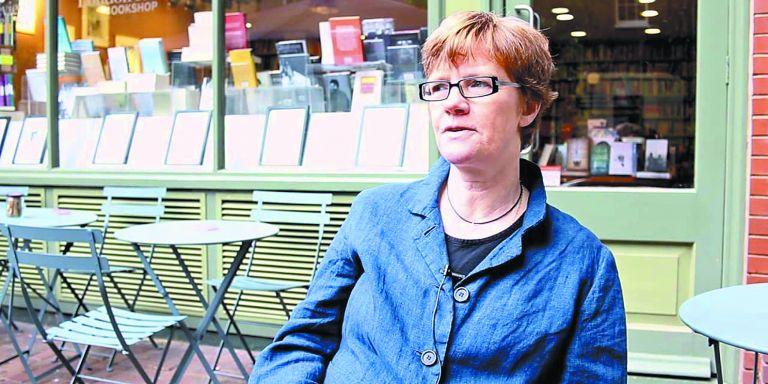 Σάρα Μπέικγουελ: «Οι υπαρξιστές δεν είχαν πάντα τις σωστές απαντήσεις, έθεταν όμως τα ουσιαστικά ερωτήματα» | tovima.gr