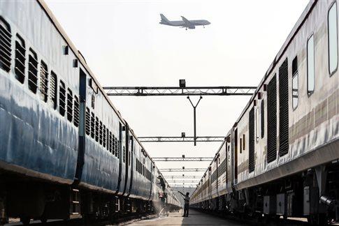 Αγρότης κερδίζει ένα τρένο στη νομική διαμάχη του με την Indian Railways | tovima.gr