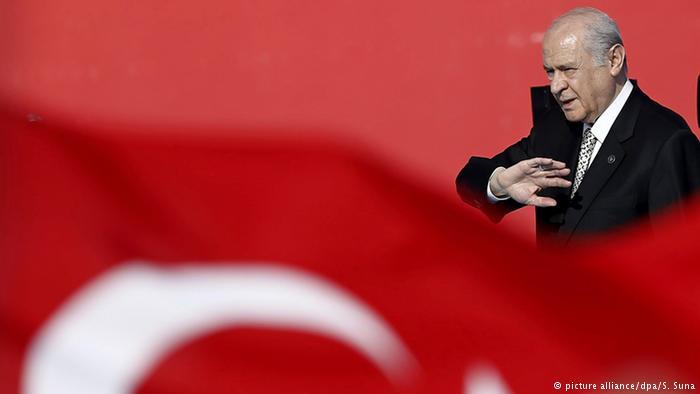 Το δημοψήφισμα διχάζει τους τούρκους εθνικιστές   tovima.gr