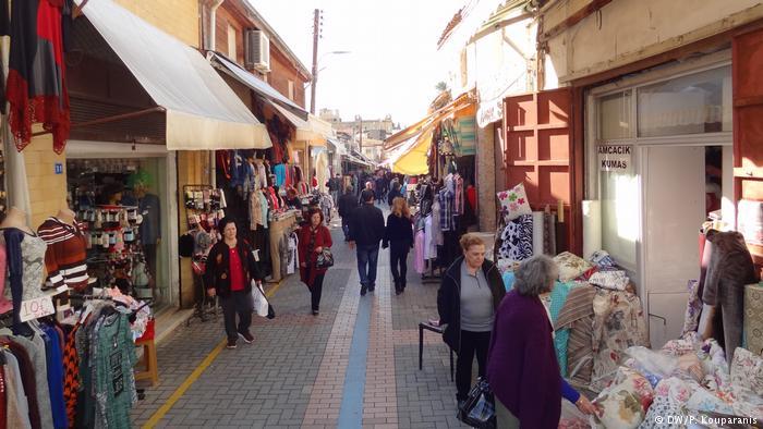 Συναλλάσσονται Ελληνες και Τούρκοι της  Κύπρου, παρά την απαγόρευση | tovima.gr