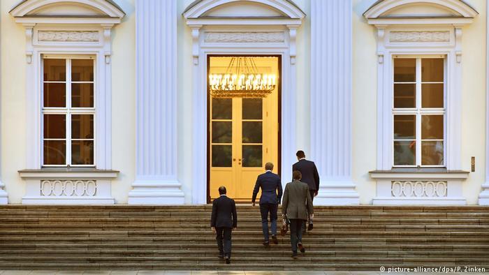 Γερμανία: Σε αγωνιώδη αναζήτηση σταθερής κυβέρνησης ο Σταϊνμάιερ | tovima.gr