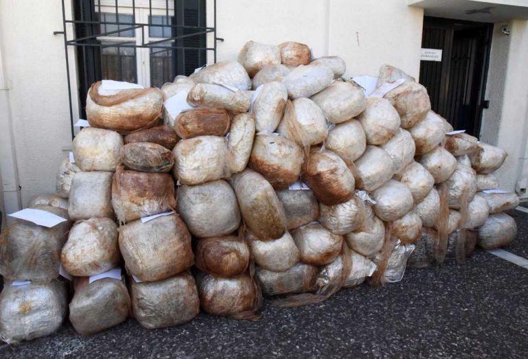 Διακινούσαν ναρκωτικά με ταχύπλοα μέσω Ιονίου και Αιγαίου Πελάγους (βίντεο)   tovima.gr