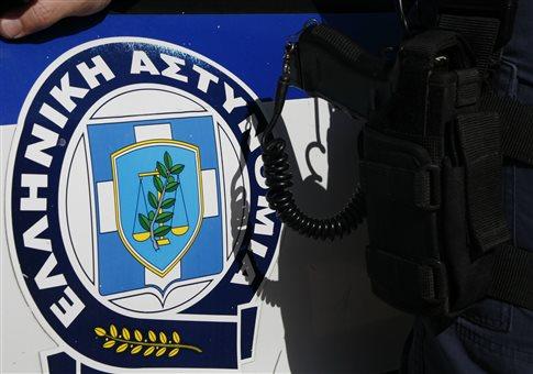 Ηράκλειο: Απείλησε να κάψει αστυνομικούς και να αυτοπυρποληθεί   tovima.gr
