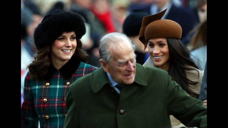 Πώς πέρασαν τα Χριστούγεννα  οι βασιλικές οικογένειες | tovima.gr