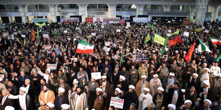 Εννέα νεκροί σε νέες διαδηλώσεις στο Ιράν – στις 450 οι συλλήψεις   tovima.gr