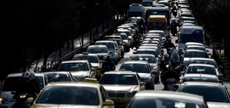 Κυκλοφοριακό κομφούζιο στο κέντρο της Αθήνας | tovima.gr