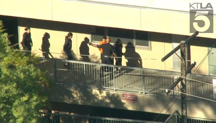 Πυροβολισμοί σε σχολείο στο Λος Αντζελες | tovima.gr