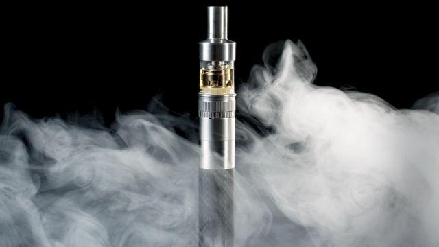 Οι χρήστες ηλεκτρονικού τσιγάρου πιο ευάλωτοι στην πνευμονία | tovima.gr