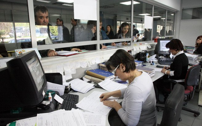 «Τρέχει» η ρύθμιση των 120 δόσεων για χρέη σε Εφορία και Ταμεία | tovima.gr