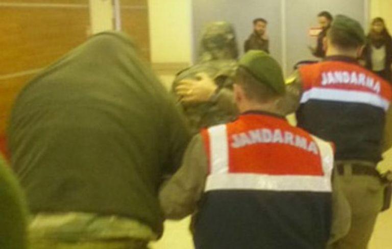 Η Ελλάδα περιμένει βίντεο με το άνοιγμα των κινητών των δύο στρατιωτικών | tovima.gr