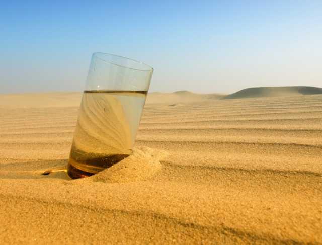 Συσκευή φτιάχνει πόσιμο νερό από τον αέρα της ερήμου   tovima.gr