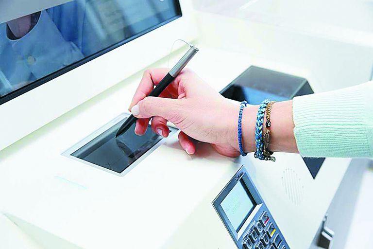 Ξηλώνουν τα γκισέ οι τράπεζες | tovima.gr