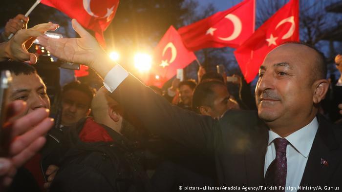 DW: Προεκλογική εμφάνιση Τσαβούσογλου στο Ζόλινγκεν; | tovima.gr