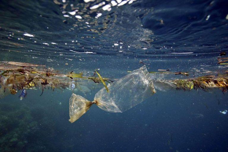Στις θάλασσες τις Ασίας τα περισσότερα πλαστικά απόβλητα   tovima.gr