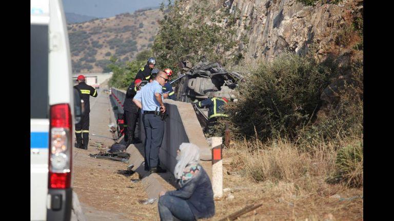 Έξι νεκροί μεταξύ των οποίων τρία παιδιά, σε τροχαίο στην Εγνατία Οδό | tovima.gr