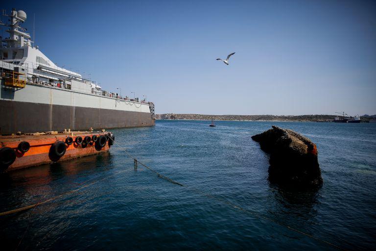 Αρχισε η ανέλκυση του πλοίου «Corfu Island» | tovima.gr