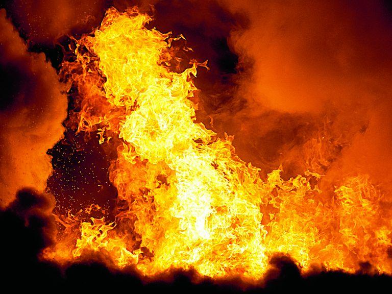 Επικίνδυνα «παιχνίδια» με τη φωτιά | tovima.gr