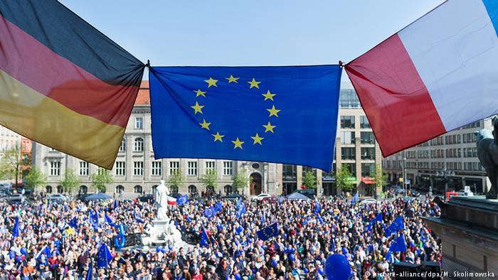 Γερμανία – Γαλλία: δύο πόλοι στην ευρωζώνη | tovima.gr